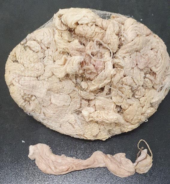 Schweinekrause Kaliber 72+ abgebunden mit Schlaufe 27cm